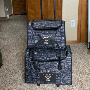 Mary Kay Rolling Tote below COST!